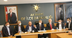 Of Ak Parti'de Başkan Çapoğlu görevi devraldı