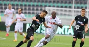 Trabzonspor 10 kişilik Denizli'yi yenemedi