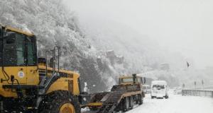Of Belediyesi'nden yoğun kar temizleme mesaisi