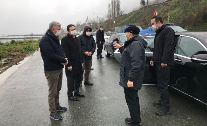 Vali Ustaoğlu Of Trafik Kontrol Noktasını ziyaret etti
