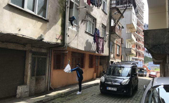 Fırıncılar sokak sokak ekmek servisi yapıyor