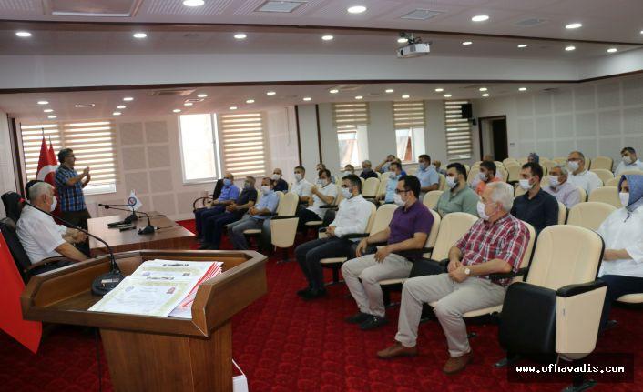 Kaymakam Fırat'tan VEFA SDG'de çalışan eğitimcilere Başarı Belgesi