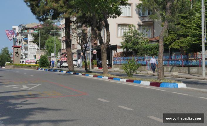 Trabzon Büyükşehir'den bordo-mavi jest