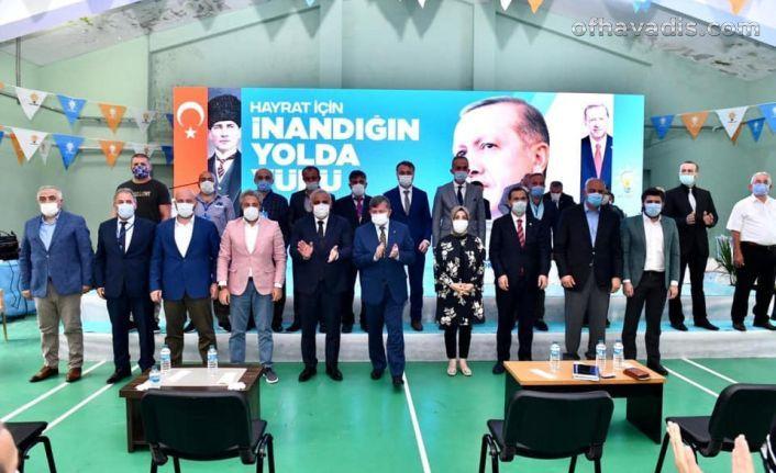 AK Parti Hayrat'ta Karaahmetoğlu yeniden başkan