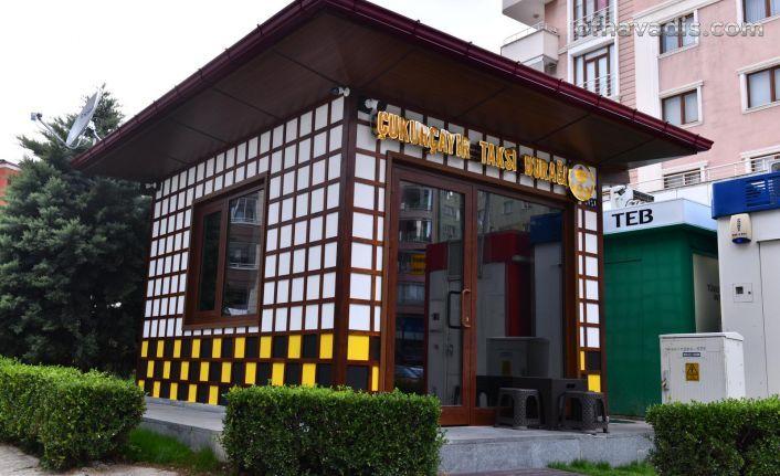 Trabzon modern taksi duraklarına kavuşuyor