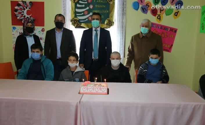 Dayıoğlu Rehabilitasyon Merkezi'nden Engelliler Günü kutlaması