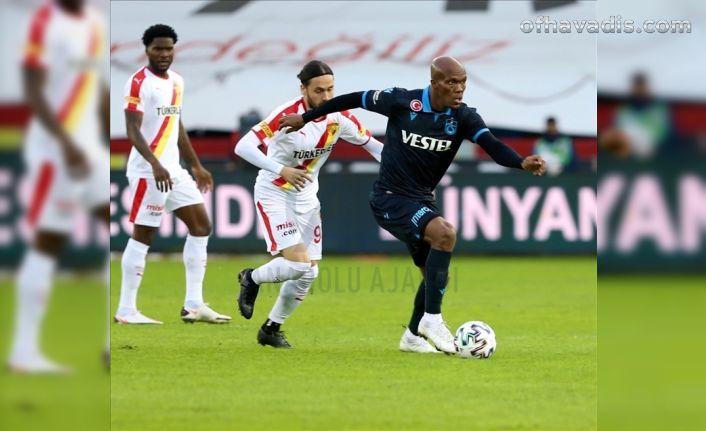 Trabzonspor Ekuban'la uçmaya devam ediyor