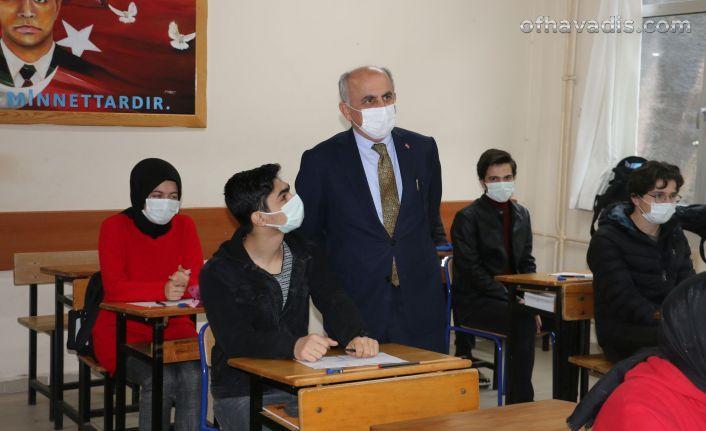 Müdür Aktaş'tan Of'taki DY Kurslarına ziyaret