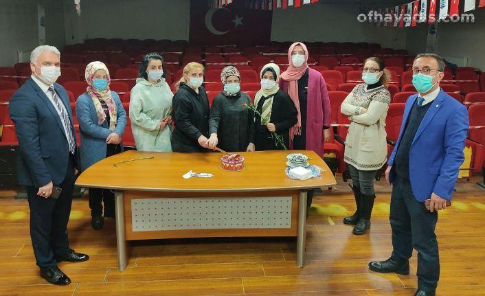 Of Belediyesi kadın çalışanların gününü kutladı