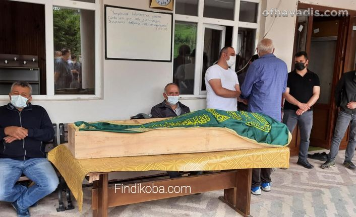 Ağaçtan düşen Hacıbektaşoğlu ebediyete uğurlandı