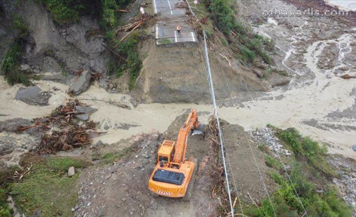 Şiddetli yağış bu kez Kastamonu, Bartın ve Sinop'u vurdu