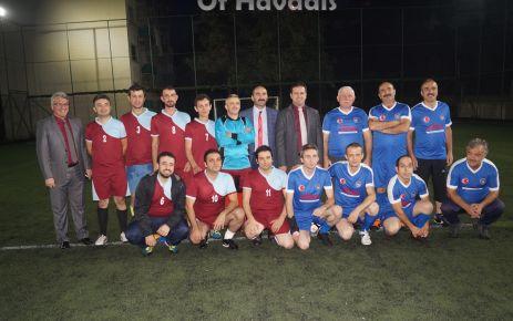 24 Kasım turnuvasının başlama vuruşu Kaymakam Fırat'tan