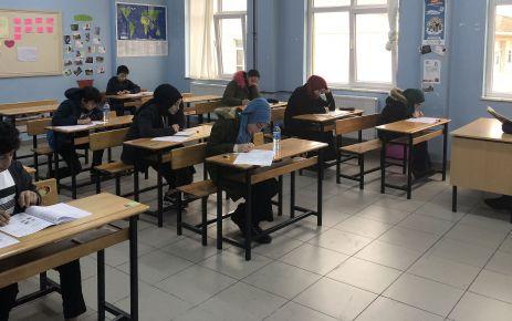 8.sınıf öğrencileri LGS provasında ter döktü