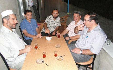 Ahmet Hoca İftarda buluşturdu