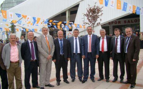 Ak Parti Trabzon yönetiminde üç Oflu yer aldı
