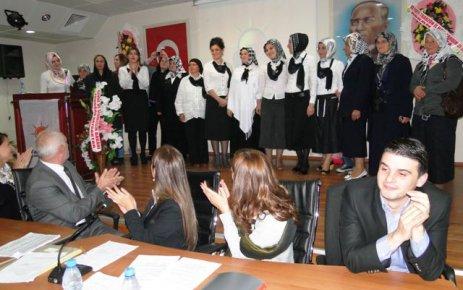Ak Parti'de Hacıahmetoğlu güven tazeledi