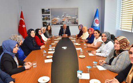 AK Parti'li Kadınlardan Başkan Zorluoğlu'na ziyaret