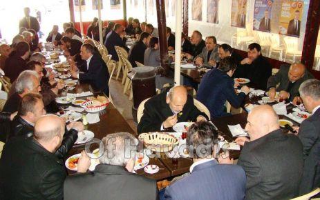 Ak Parti'nin kahvaltılı programları devam ediyor
