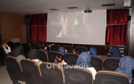 Ali Yeşilyurt İmam Hatip öğrencilerine okulda sinema