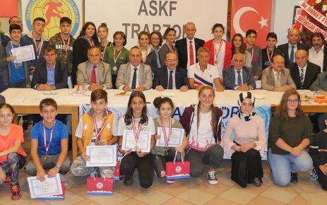 Amatör Spor Haftası'nda amatör şampiyonlar ödüllendirildi