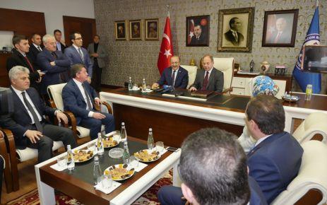 Bakan Akdağ'dan Başkan Gümrükçüoğlu'na ziyaret