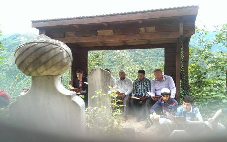 Ballıcalı öğrencilerden Hacı Hasan Efendinin kabrine ziyaret