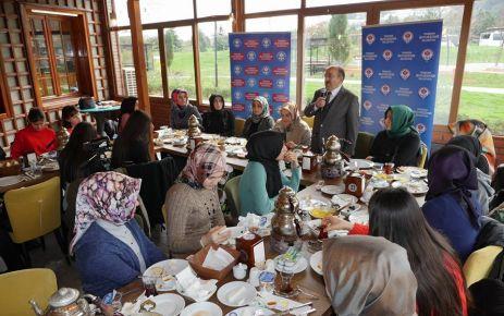 Başkan Gümrükçüoğlu TÜRGEV'li öğrencilerle buluştu