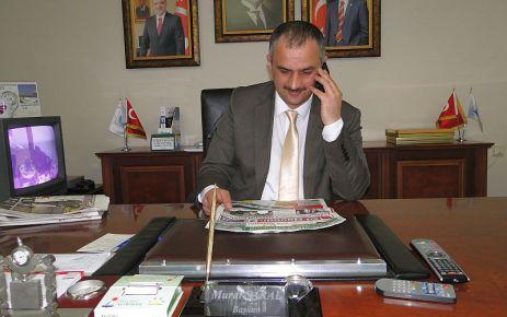 Başkan Saral halkın sorunlarını dinliyor