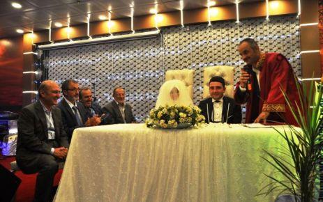 Başkan Saral nikahlara yetişemiyor