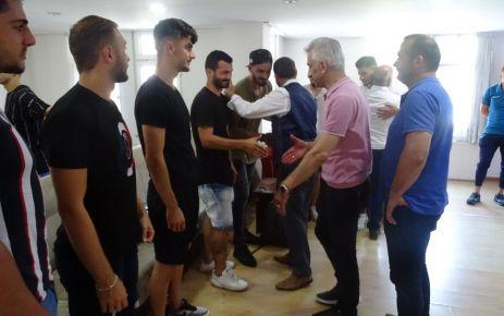 Başkan Saral ve yöneticiler futbolcularla bayramlaştı