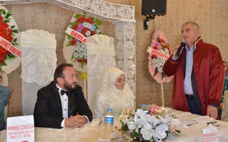 Başkan Sarıalioğlu çiftlerin mutluluğuna ortak oluyor