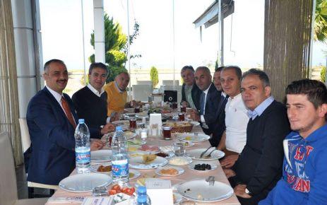 Belçika'da ilkleri başaran Türk Belediye Başkanı Of'ta