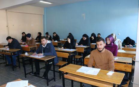 Bin 506 öğrenci Açık Lise sınavında ter döktü
