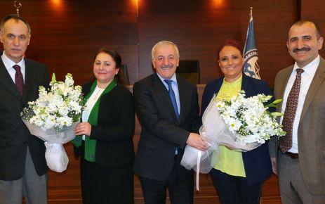 Büyükşehir Meclisini Kadın Başkan yönetti