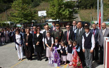 Dernekpazarı'nda İlköğretim Haftası kutlandı