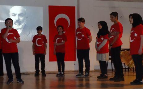 Dernekpazarı'nda İstiklal Marşının kabulünün 97. yılı kutlandı