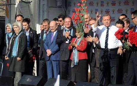 Erdoğan ve Bayraktar Trabzon Mitinginde buluştu