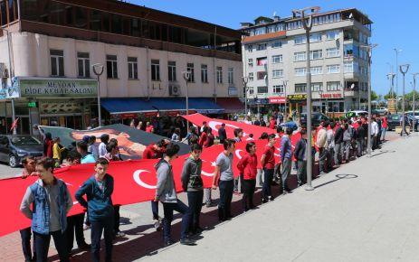 Gençlik Haftası Gençlik Yürüyüşü ile başladı