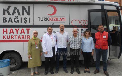 Hastane çalışanlarından Kızılay'a kan bağışı