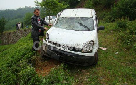 Hayrat yolunda kaza, 2 kişi yaralandı