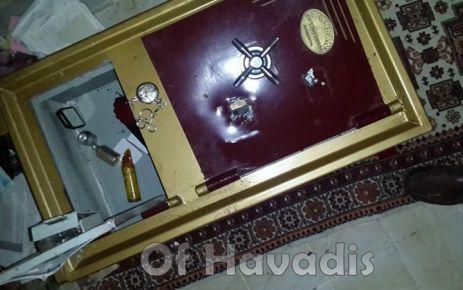 Hırsızlar boş evlere dadandı