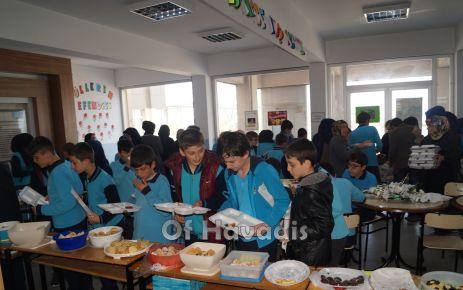 İmam Hatipli Öğrencilerden Mehmetçiğe Destek Kermesi