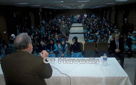 """İmam Hatipli öğrencilere """"Edep ve Haya"""" konferansı"""