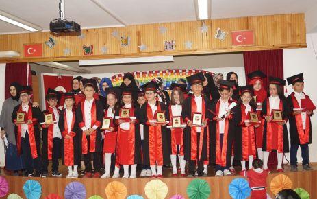 İsmail Yıldırım İlkokulu 4 B sınıfından mezuniyet töreni