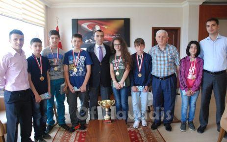 Kaymakam Arslan 28 Şubat'ın şampiyonlarını kutladı