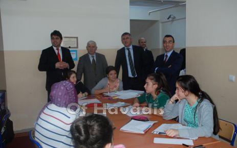 Kaymakam Arslan ve Başkan Sarıalioğlu lise öğrencileriyle buluştu