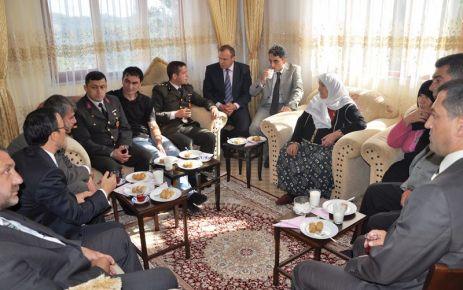 Kaymakam Arslan'dan Şehit ailelerine bayram ziyareti