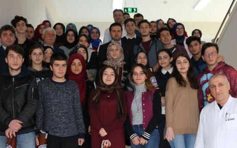 Kaymakam Fırat tatilde eğitim gören öğrencilerle buluştu