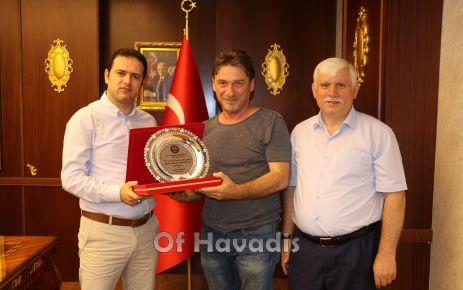 Kaymakam Fırat'tan Ramoğlu'na teşekkür plaketi