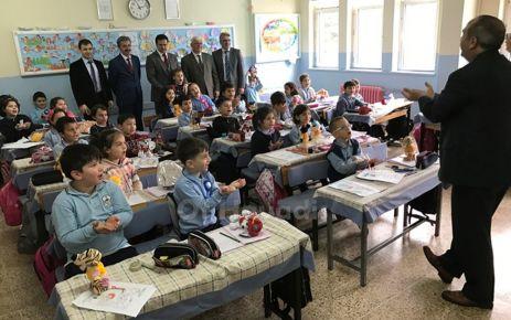 Kaymakam Fırat'tan Şehit Öğretmen Ali Bulut'a ziyaret